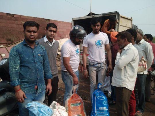 NAT 200306 Volunteers of PCT Humanity 2-1583485469205