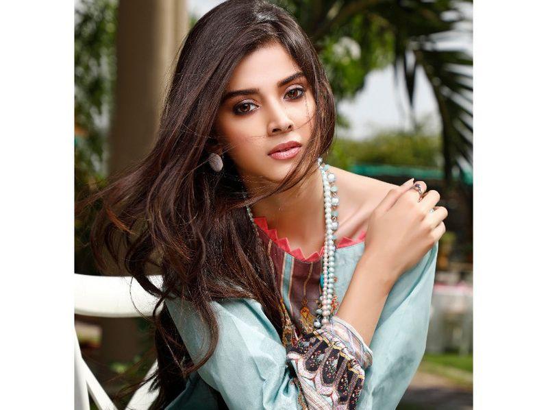 Zainab Shabbir 1-1583656132976
