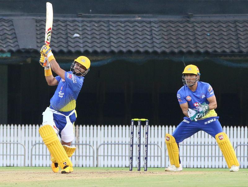 Suresh Raina and MS Dhoni practise for Chennai Super Kings