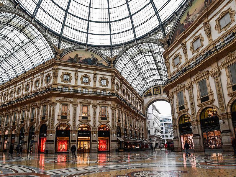20200310_Italy_mall