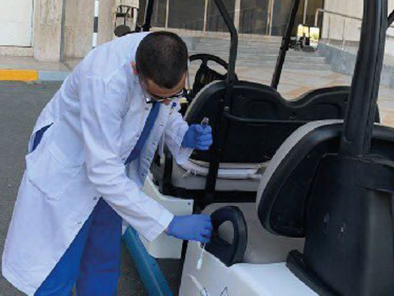 abu dhabi cleaning a car