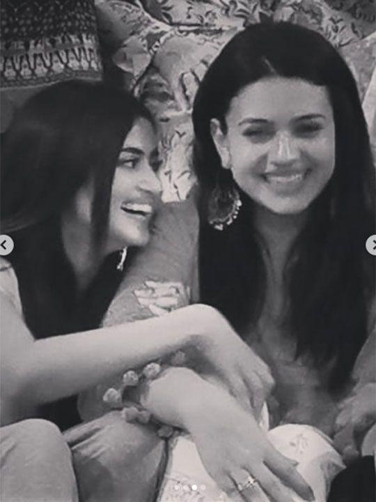 Sajal Ali and Zara Noor Abbas