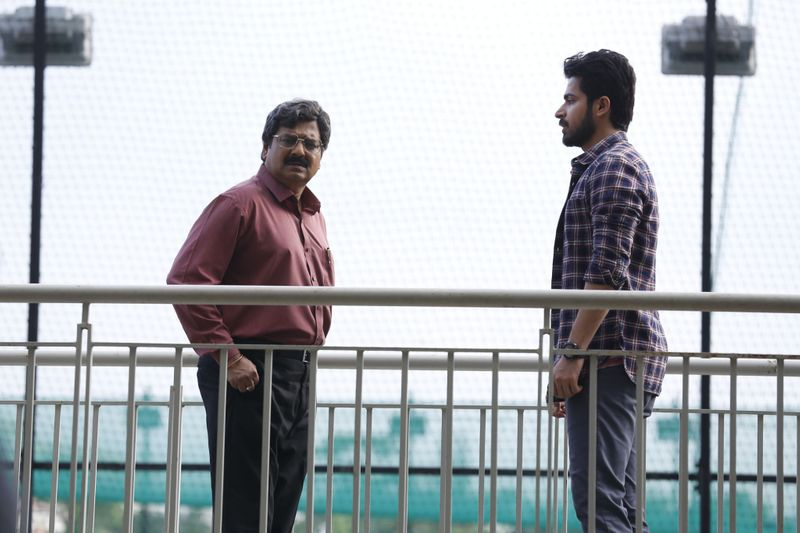 Vivek with Harish Kalyan in Dharala Prabhu-1583923066259