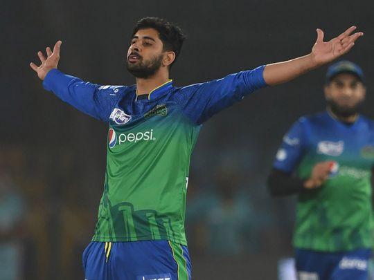 Multan Sultans' Ali Shafiq celebrates after the dismissal of Peshawar Zalmi' Haider Ali (unseen) during the  T20 cricket match between Peshawar Zalmi and Multan Sultans at the National Cricket Stadium in Karachi on March 13, 2020.  / AFP / Asif HASSAN
