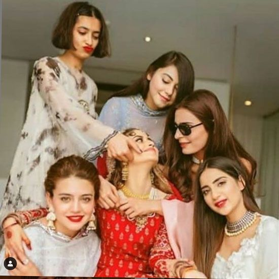 Sajal Aly with her friends