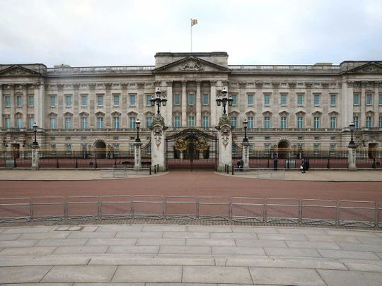 deserted Buckingham Palace in London
