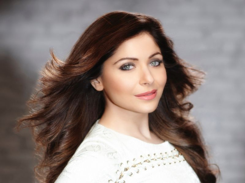Kanika-Kapoor-Picture-(Read-Only)