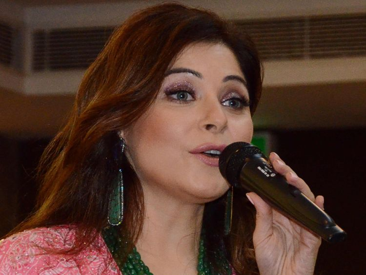 TAB 200321 Kanika Kapoor-1584778119118