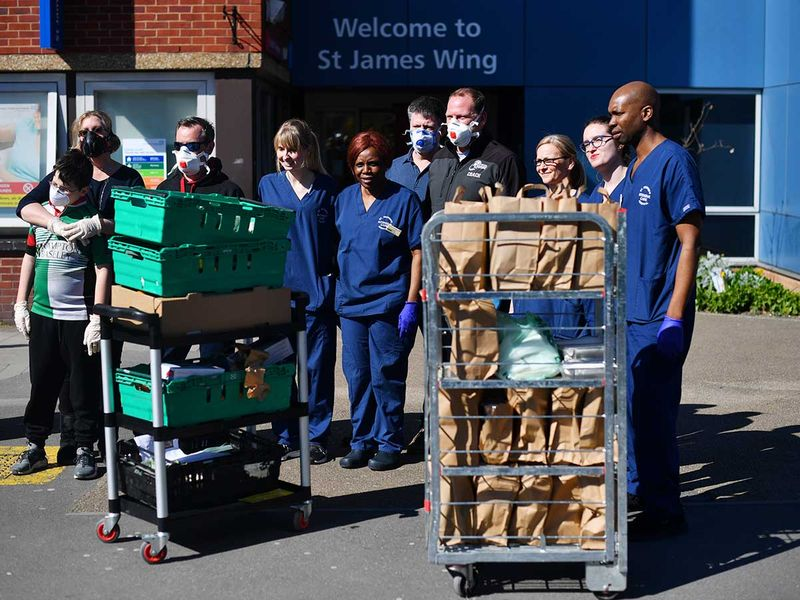 London volunteers feed nurses for free as coronavirus ...