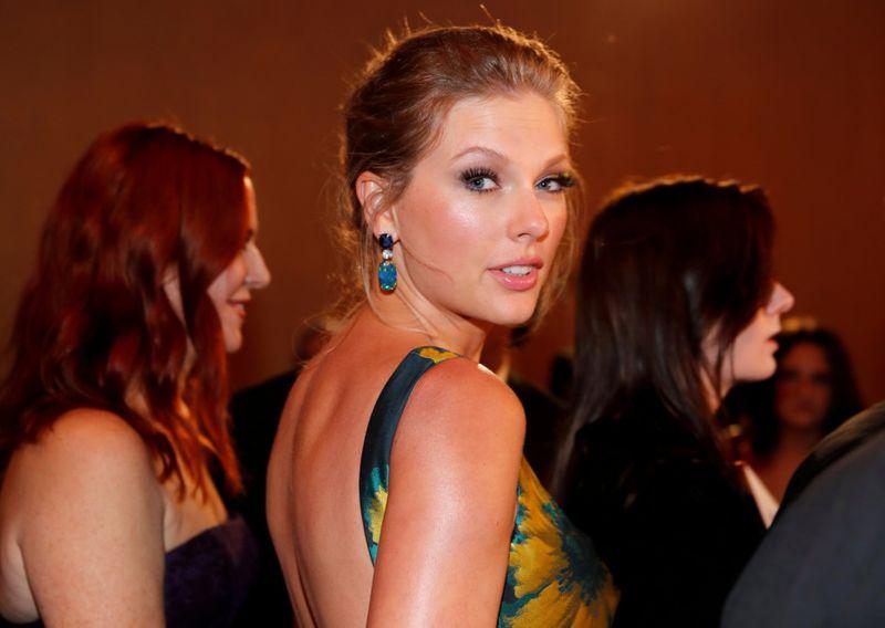 TAB 200324 Taylor Swift-1585035575398
