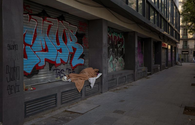 Copy of Virus_Outbreak_Spain_Homeless_Photo_Gallery_81752.jpg-6503a~1-1585149915001