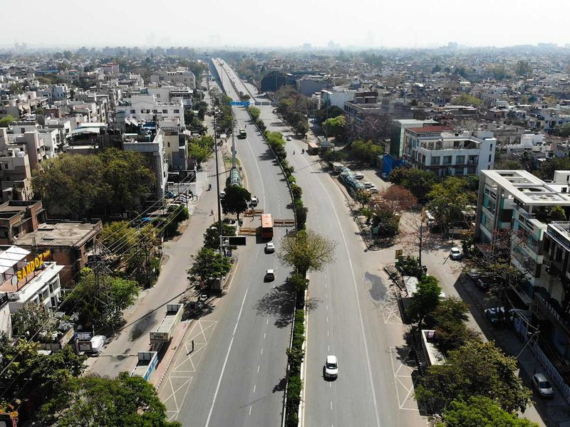 InDIA ROADS LOCKDOWN