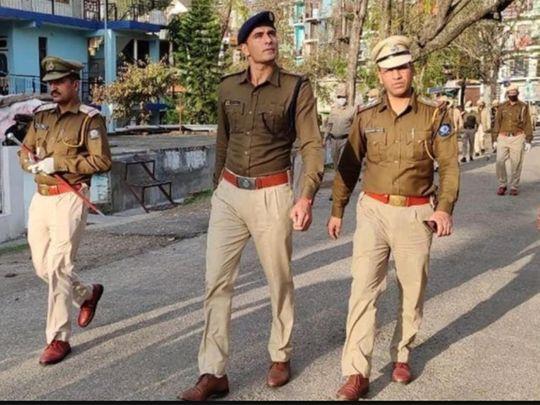 Ajay Thakur was seen performing police duty in Himachal Pradesh