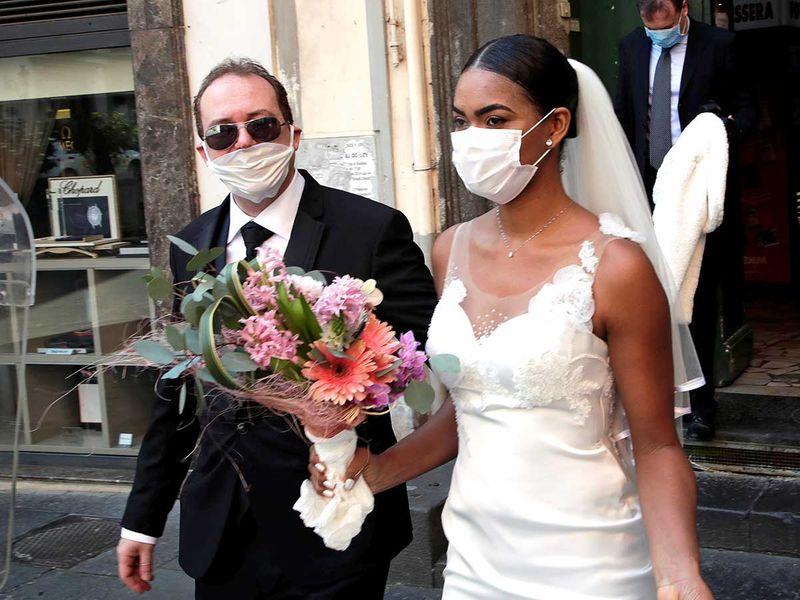 200329 newlyweds