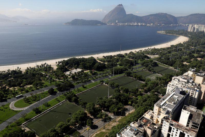 Copy of 2020-03-26T200853Z_1737355974_RC2WRF9YEKW0_RTRMADP_3_HEALTH-CORONAVIRUS-BRAZIL-RIO-1585484298882