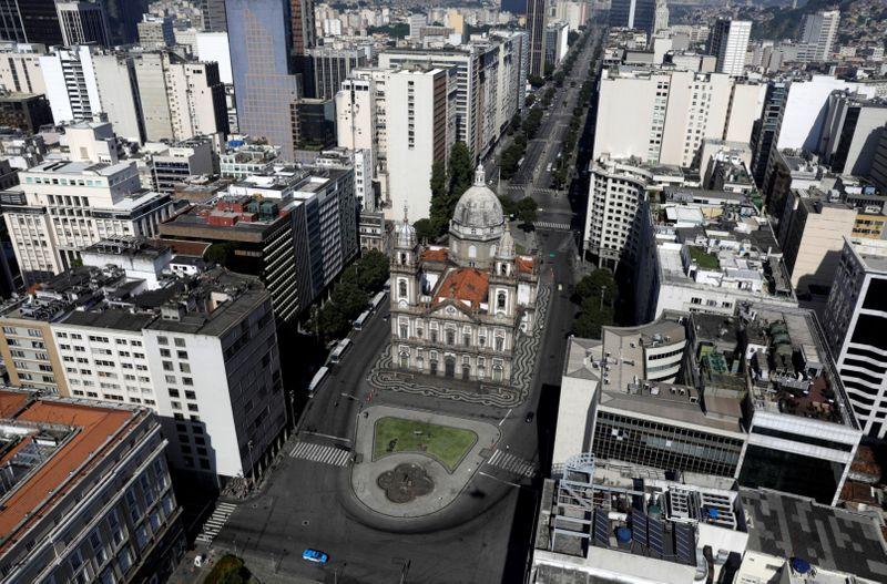Copy of 2020-03-26T203225Z_1445914665_RC2WRF9ML5FD_RTRMADP_3_HEALTH-CORONAVIRUS-BRAZIL-RIO-1585484235459