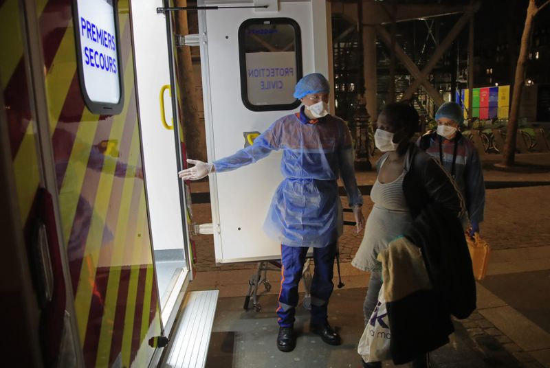 Copy of Virus_Outbreak_France's_Volunteers_Photo_Gallery_69010.jpg-a2a39~1-1585825008267