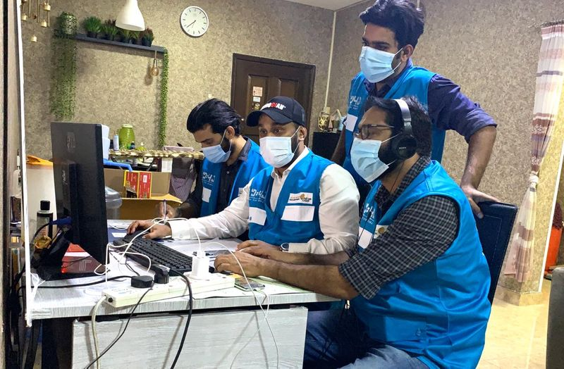 KMCC Dubai has started a 24x7 help desk and assigned around 150 volunteers for distribution of food and medical supplies and to support screening programmes and transportation of patients in Naif and surrounding areas of Al Ras.