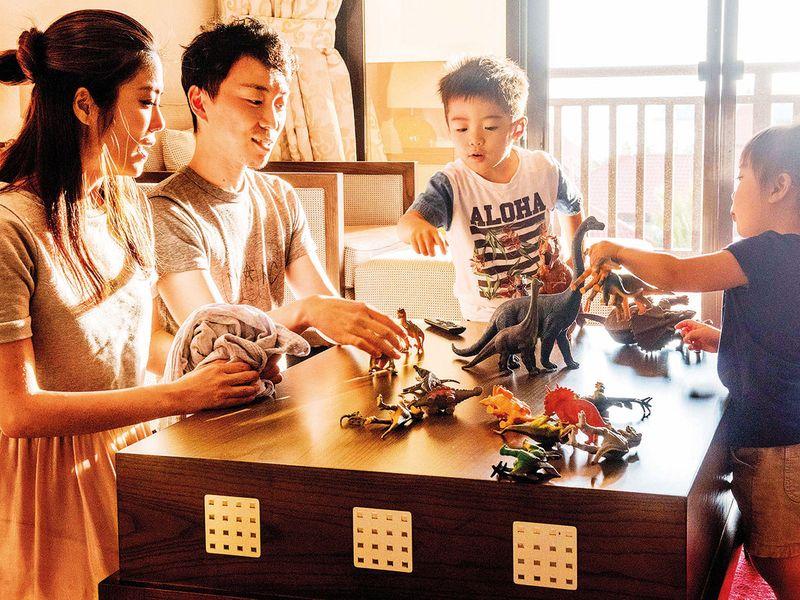SNAPSHOTS--JAPANESE-FAMILY-HOME-AKK-11-(Read-Only)