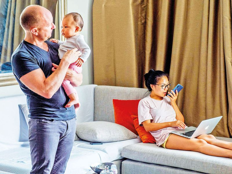 SNAPSHOTS-FRENCH-FAMILY-1-(Read-Only)