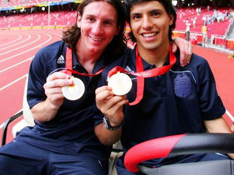 Messi and Aguero with their 2008 Gold Medals