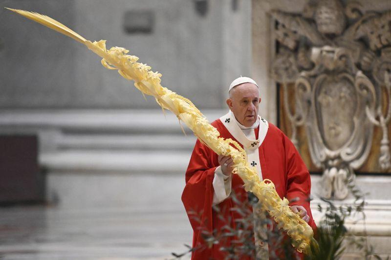 Copy of Vatican_Pope_Palm_Sunday_Mass_08682.jpg-f43cb~1-1586162048665
