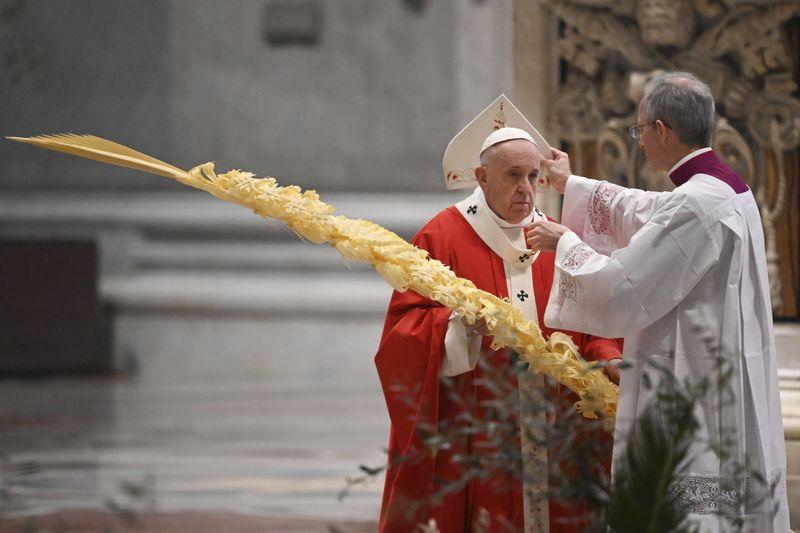 Copy of Vatican_Pope_Palm_Sunday_Mass_13123.jpg-5998c-1586162057858