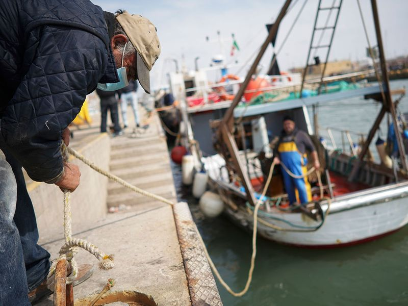 Virus_Outbreak_Italian_Fishermen_Photo_Gallery