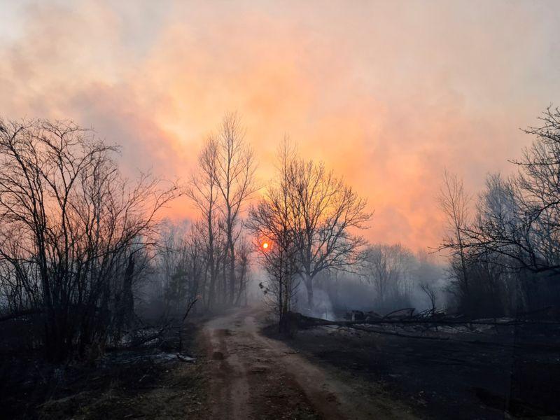 Copy of 2020-04-06T130910Z_357361573_RC21ZF9JB3PW_RTRMADP_3_UKRAINE-CHERNOBYL-FIRE-1586319434008