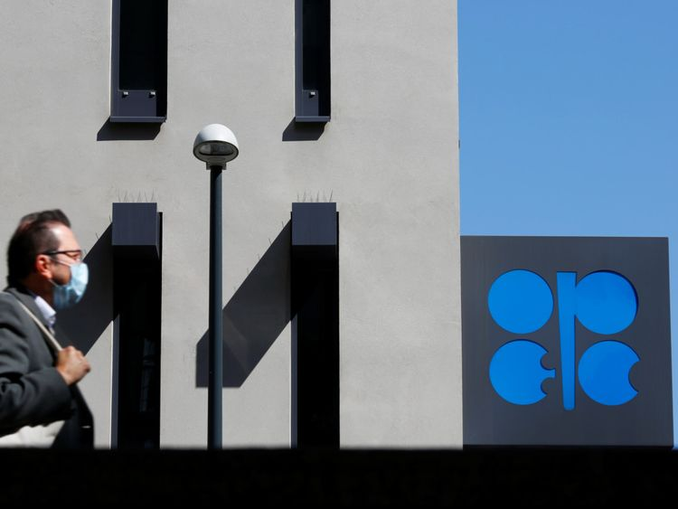 BUS 200409 OPEC1-1586447181559