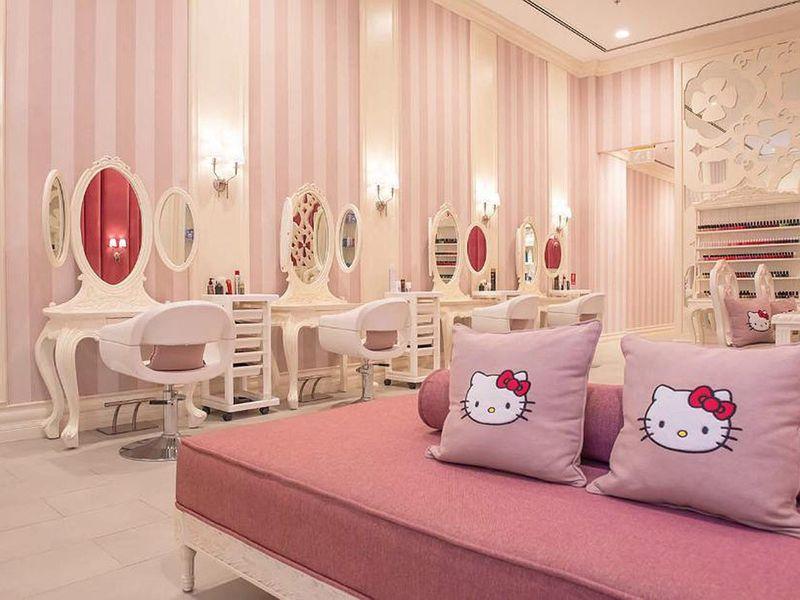 Hello-Kitty-Beauty-Spa