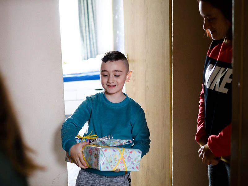 Virus_Outbreak_Germany_Helping_Families_96128