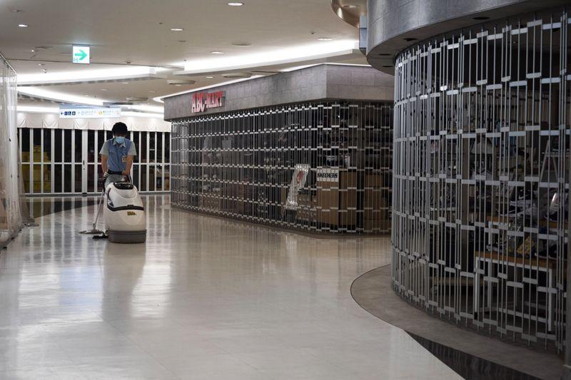 Copy of Virus_Outbreak_Tokyo_Empty_Airports_42107.jpg-302cb~1-1586855229472