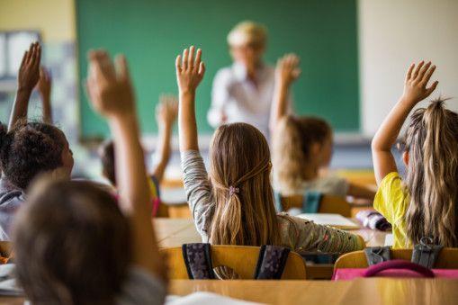 opn 200415 Kids in classroom-1586941442097