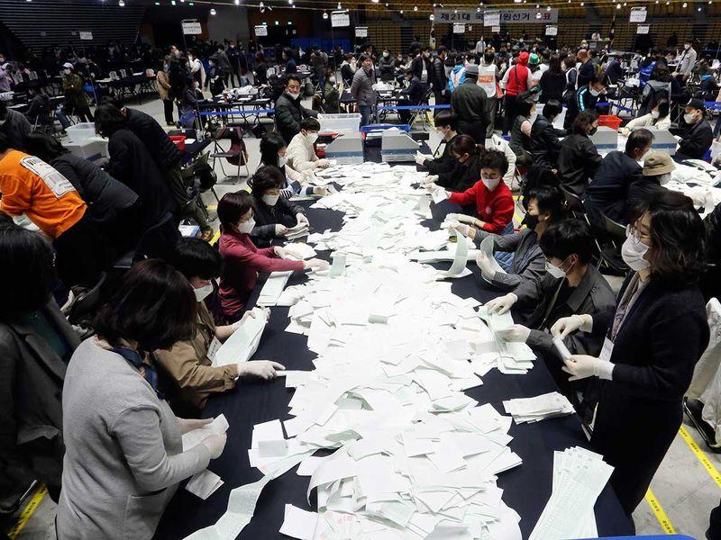 Korea polls ballots