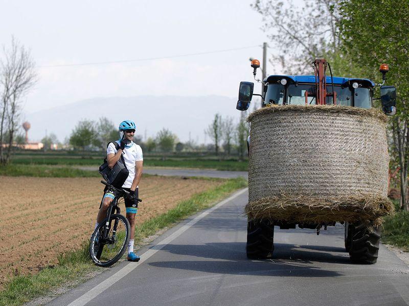 Italian_Cyclist_23802