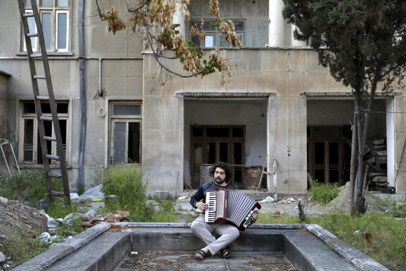 Copy of Virus_Outbreak_Iran_Musicians_Photo_Essay_75116.jpg-2c996~1-1587217792029