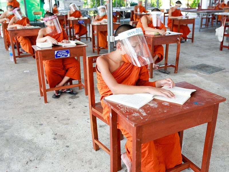 Copy-of-2020-04-22T142336Z_1745755494_RC2Q9G9MAKEZ_RTRMADP_3_HEALTH-CORONAVIRUS-THAILAND-MONKS-(Read-Only)