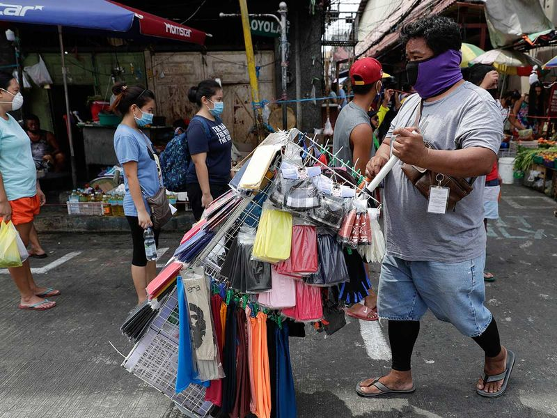 Manila lockdown masks