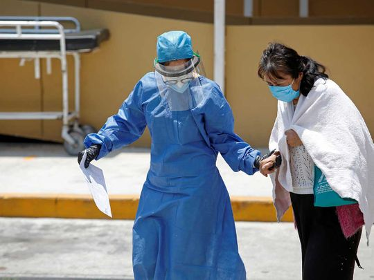 Healthcare worker Mexico mask patient