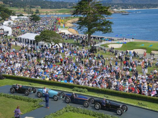 Auto pebble beach