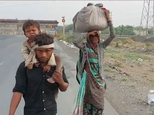 India: Many migrant workers still walking back home
