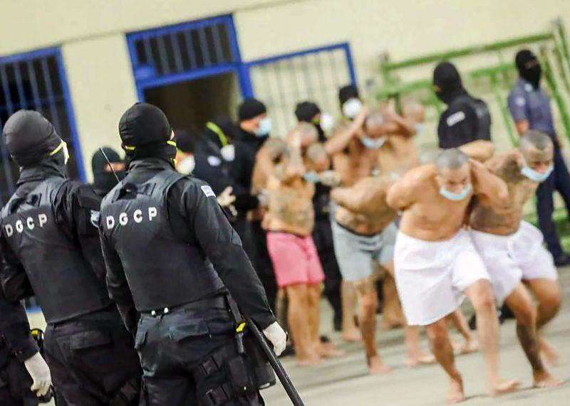 Inmates at the Izalco prison