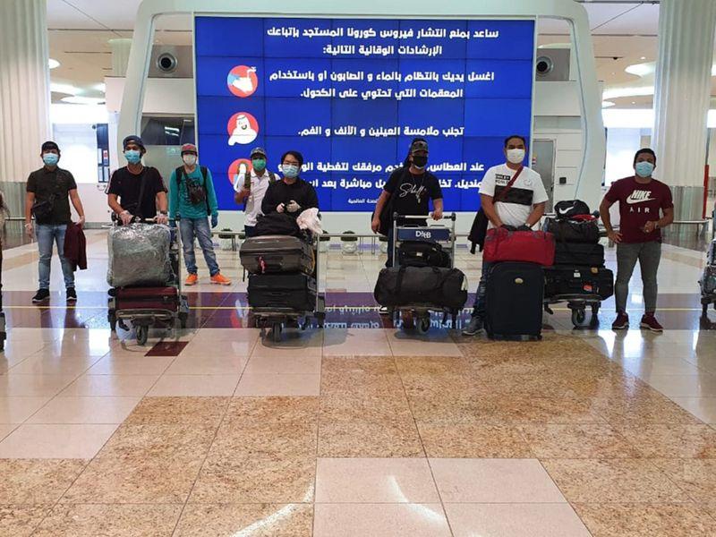 NAT 200428 13 Filipinos fly1-1588064266837