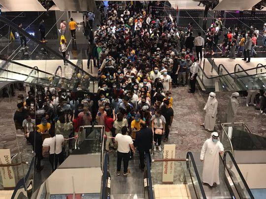 large crowd at Abu Dhabi Mall during coronavirus