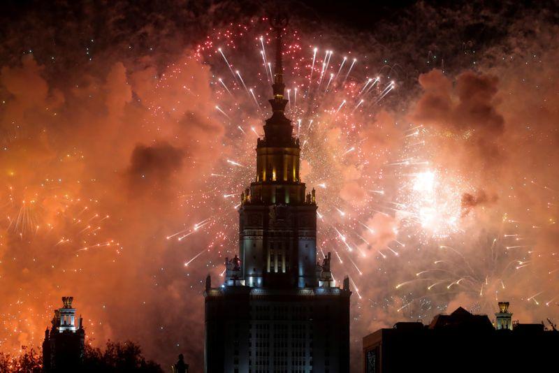 Copy of 2020-05-09T193350Z_1637798913_RC27LG944969_RTRMADP_3_WW2-ANNIVERSARY-RUSSIA-FIREWORKS-1589097197826