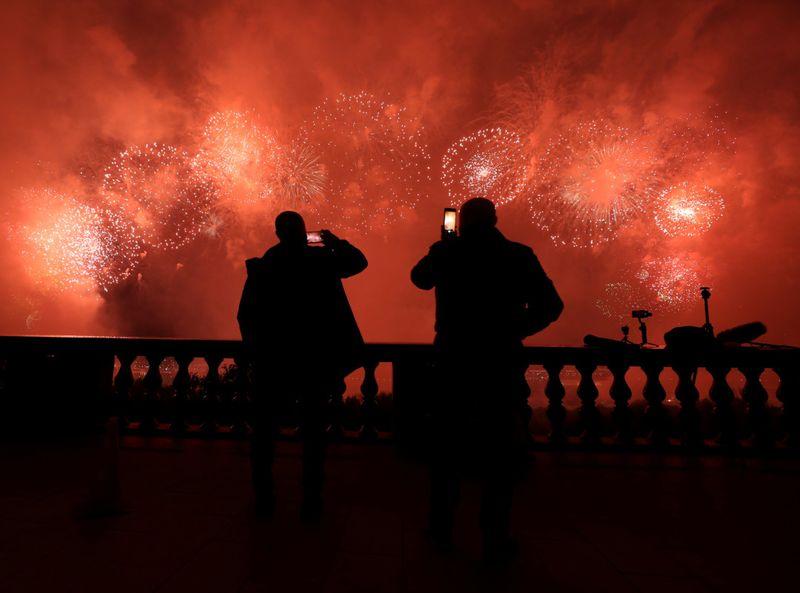 Copy of 2020-05-09T213955Z_493915913_RC27LG9H6KBB_RTRMADP_3_WW2-ANNIVERSARY-RUSSIA-FIREWORKS-1589097185901