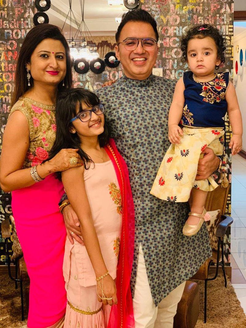 NAT DR RAVI NARAD FAMILY-1589091895205