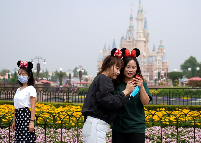 Copy of 2020-05-11T020209Z_118235810_RC21MG937EAE_RTRMADP_3_HEALTH-CORONAVIRUS-CHINA-DISNEY-1589182018386