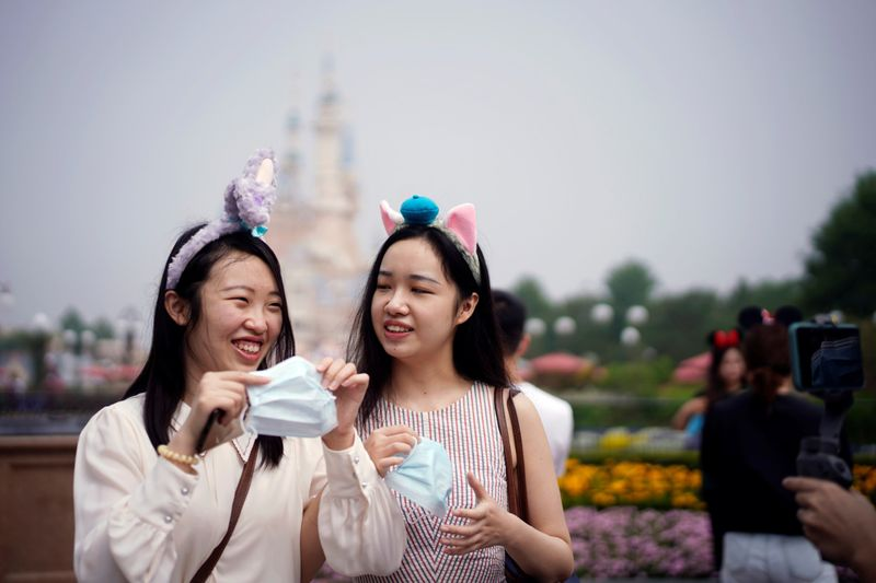 Copy of 2020-05-11T034934Z_1437240258_RC23MG92FY1V_RTRMADP_3_HEALTH-CORONAVIRUS-CHINA-DISNEY-1589181990957